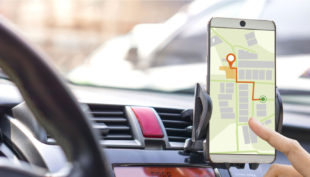 Le 10 applicazioni che migliorano i tuoi viaggi in auto, anche durante le feste
