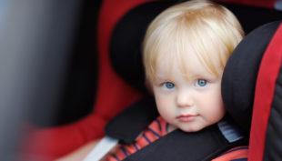 Nani a bordo: le dieci cose da sapere sul trasporto in auto dei più piccoli