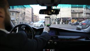 Mettersi alla guida dopo aver bevuto: ora non sarà più un problema con Floome e Mytaxi